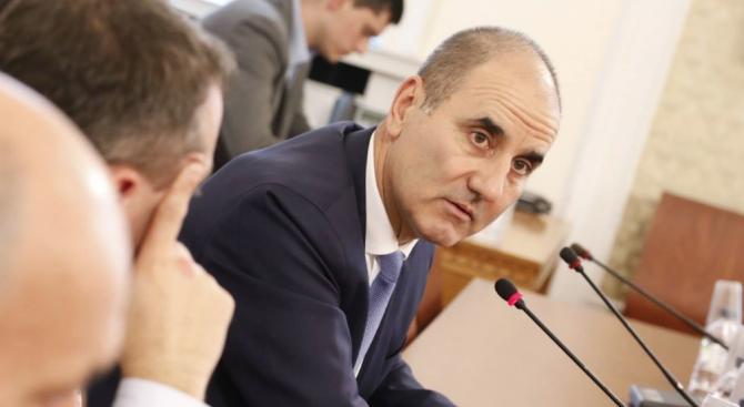 Цветанов: Чиста спекулация е твърдението на БСП, че правителството дава пари само на общини на ГЕРБ