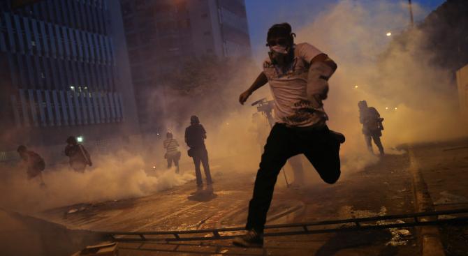 Над 500 магазина са разграбени във венецуелския град Маракайбо