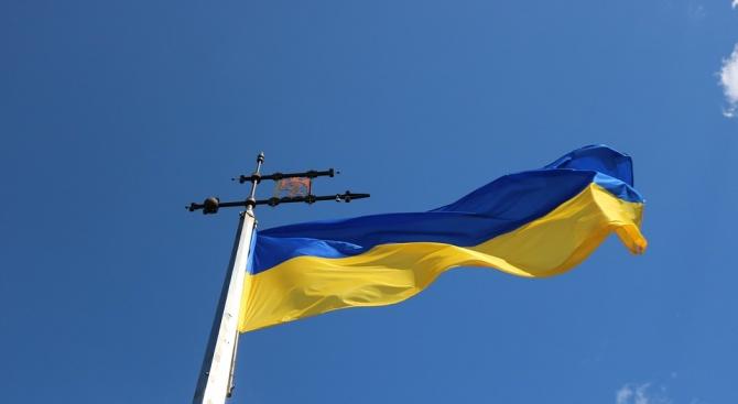 Украйна остро осъди посещението на група френски политици в Крим