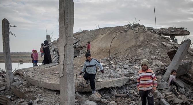 Над 370 000 души са убити от началото на войната в Сирия