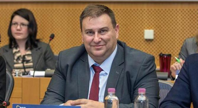 Емил Радев настоя за засилени усилия на ЕС за връщането на нелегални мигранти