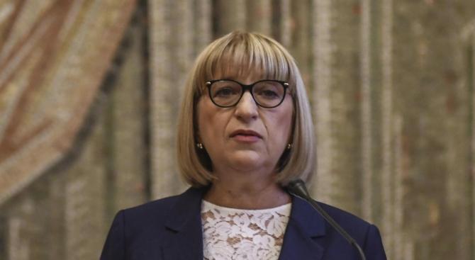 Цачевa oчаква механизмът за наблюдение на България да отпадне през есента
