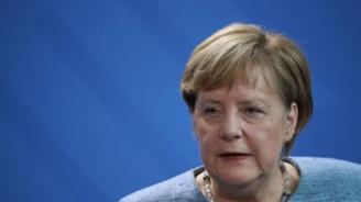 Меркел одобрява идеята за самолетоносач на ЕС