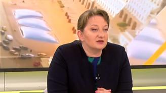 Деница Сачева: В България има система, която следи образователния статус на децата