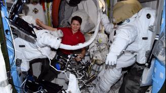 Най-вероятно жени ще покорят отново Луната и ще стъпят първи на Марс