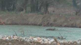 Подпорната стена, която се пропука при река Чая в Катуница, е почти завършена