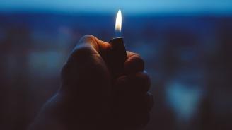 Пиян китаец глътнал запалка и едва не си взривил стомаха