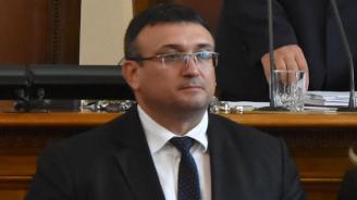 Младен Маринов: През последните години се увеличават случаите на нападения срещу полицаи