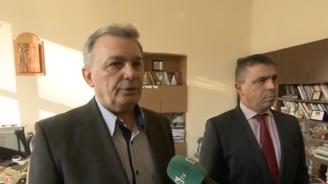 Шумно дъвчене на дъвка в час е причината за намушването с нож в Пловдив