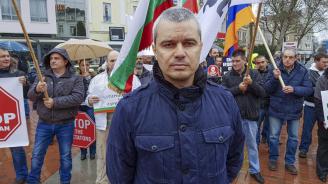 Костадин Костадинов: Партиите ни отвратиха от политиката