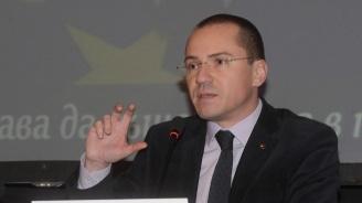 Ангел Джамбазки към БСП: Бягането от работа не е патриотизъм