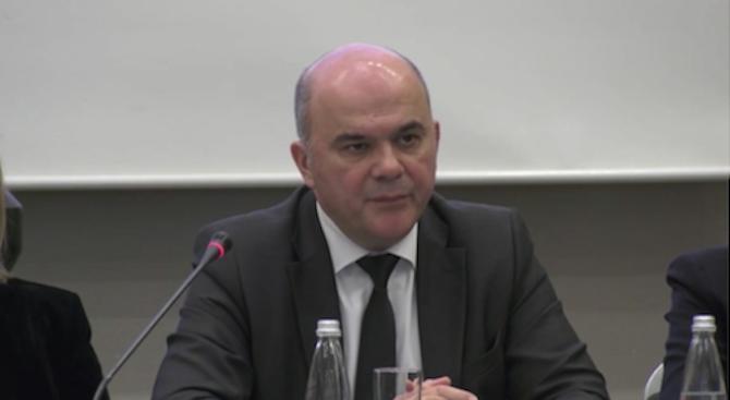 Бисер Петков: 37% от хората щеполучават по-малки пенсии