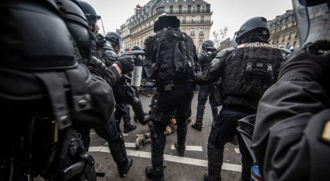 Префектът на полицията в Париж Мишел Делпюеш ще бъде сменен,