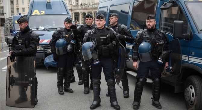 Френската полиция не е задържала издирван джихадист, който планирал атаки