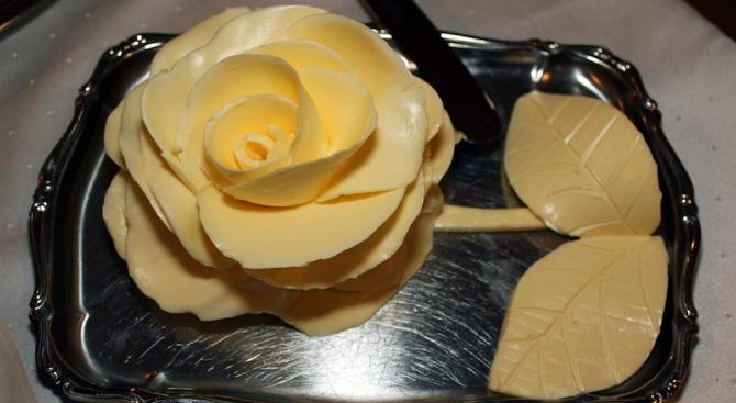 Маслото и маргаринът със сигурност са много сходни продукти -