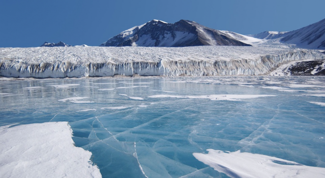 Специалисти от Чикагския университет регистрираха нощни трусове в леда в