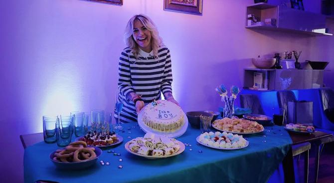 """Поли Генова очаква момченце. Изпълнителката, която ни представи на """"Евровизия"""""""