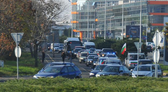По-високи такси за шофьорските курсове предвиждат от бранша. Причината е