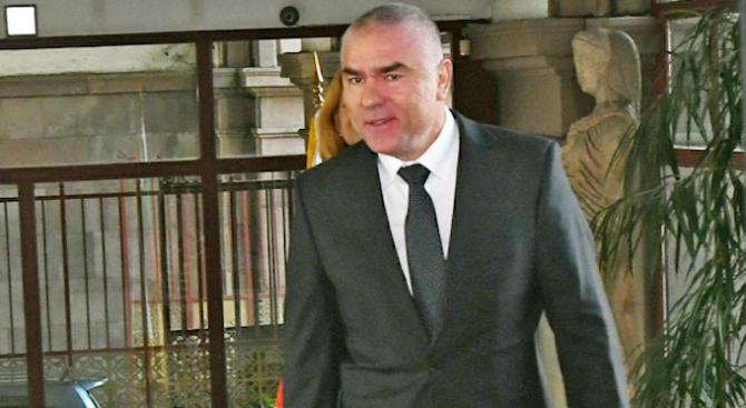 """""""Оставката на правосъдния министър Цецка Цачева е добър повод за"""