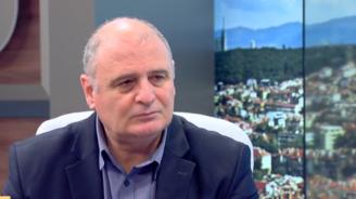Николай Радулов за полицаите, които се напръскаха със спрей: Много смешна ситуация