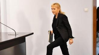 Мнения и коментари за решението Елена Йончева да води евролистата на БСП