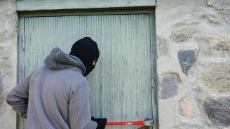 Търси се нагъл крадец, обрал магазин в центъра на София