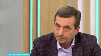 Димитър Манолов за пенсиите: Играе се със страховете на хората