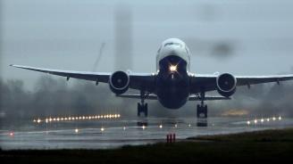 Самолет се запали при кацанена летището в Техеран