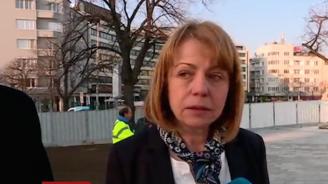 Фандъкова за градинката до парламента: Очаквам строителят да отстрани всички забележки