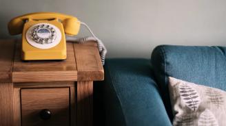 63-годишна жена даде 7 200 лева на телефонни измамници