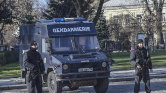 Столични полицаи заловиха баща и дъщеря наркодилъри