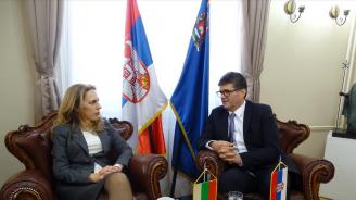 Марияна Николова и сръбският ѝ колега обсъдиха задълбочаването на икономическото сътрудничество