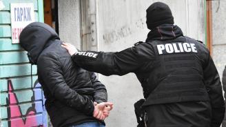 Полицията залови 22-годишен, блудствал с деца в Пловдив