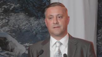 Бившият председател на СДС поиска оставката на настоящия