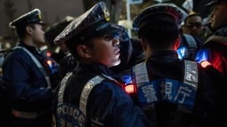 Шофьор се вряза с колата си в тълпа хора в Китай. Има жертви