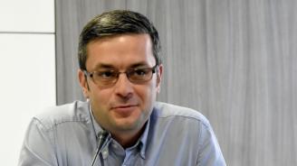 Тома Биков коментира скандала с апартаментите на Цветанов и Цачева