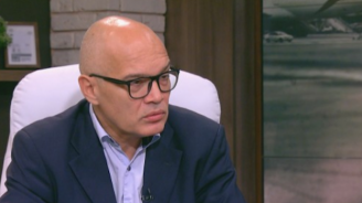 Тихомир Безлов за скандала с апартаментите: Реакцията на Борисов беше много интересна