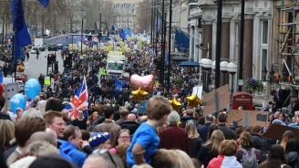 Кметът на Лондон поведе многохиляден протест против Брекзит