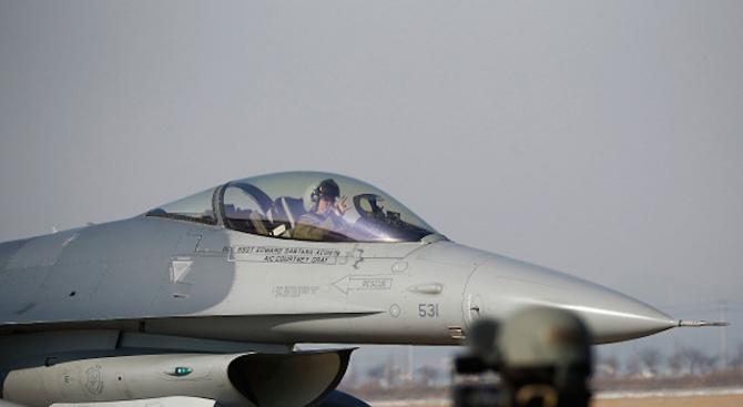Директните преговори за F-16 стартират през май