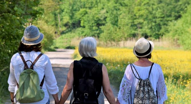 Ходенето може да спаси костите на жените след менопауза, но