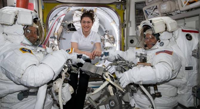 НАСА отмени насроченото за 29 март първо излизане в открит