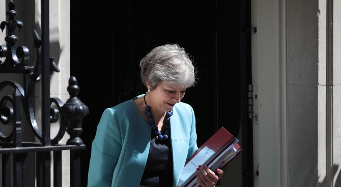 Британският премиер Тереза Мей може да обяви за оставка още