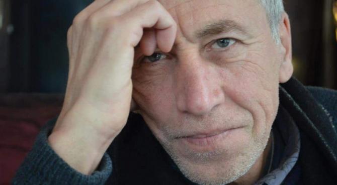 Проф. Атанас Атанасов: Хората, които ходят на театър, не са онези с многото пари