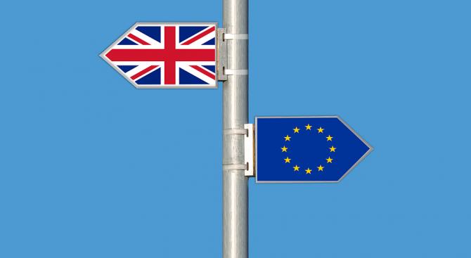 Британските депутати отхвърлиха снощи всичките осем алтернативни варианти за сделка