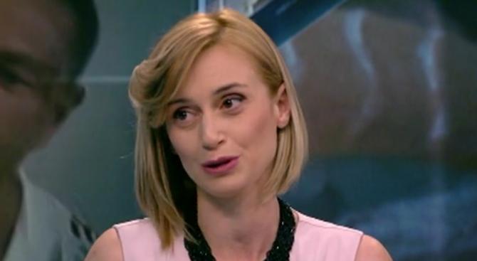Целувката на Кубрат Пулев и репортерката Джени Суши разбуни духовете