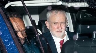 28 дни затвор за атака с яйце срещу лидера на британските лейбъристи
