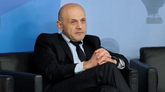 С чия помощ Томислав Дончев взима ГЕРБ на абордаж?