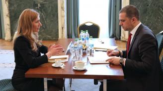 Министър Ангелкова се срещна с румънския си колега Богдан Триф