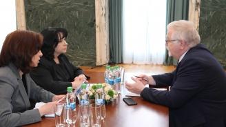 Теменужка Петкова обсъди с румънския си колега развитието на енергийните проекти между двете държави