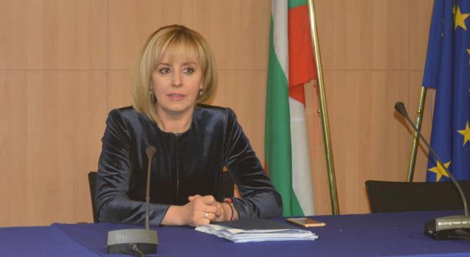 Мая Манолова и КНСБ искат среща с ЦИК